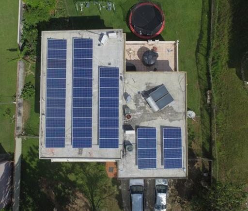 instalación residencial / Familia Diaz / PlanetSolar / Puerto Rico